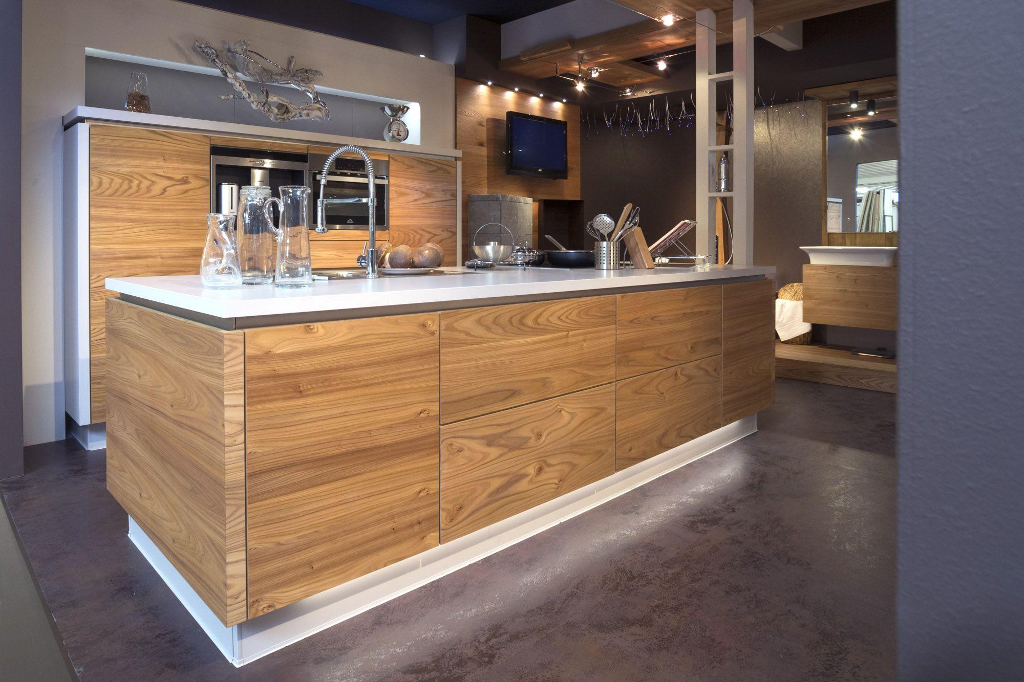Cucina Spaziosa Realizzato Dalla Falegnameria Ivo Fontana Mobili Di Belluno Made In Italy Arredamento Bagno Arredamento Cucine