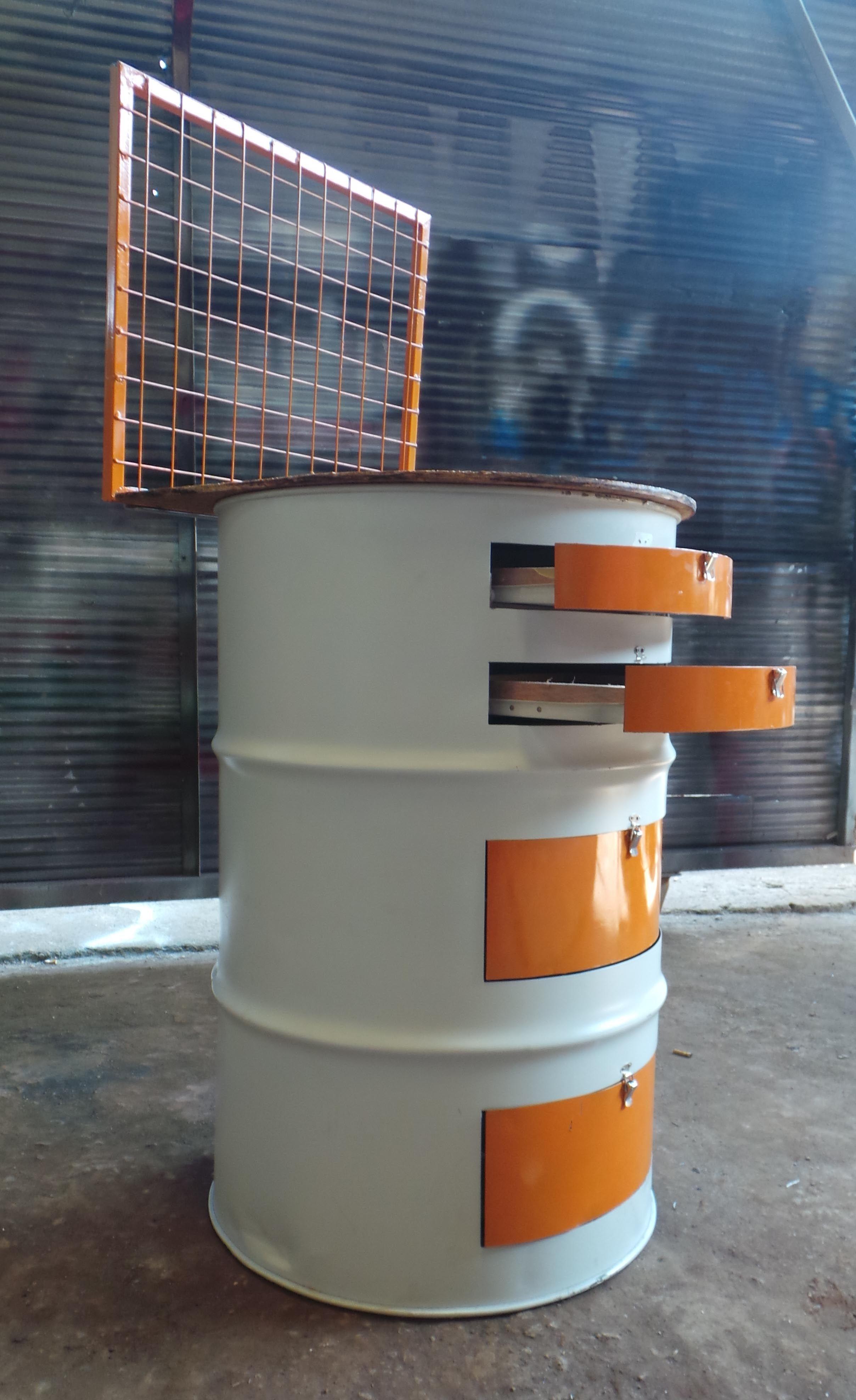 Drum Oil Recycle Client Mobworks Company Mesas De Salao Barril Ideias Para Barbearias