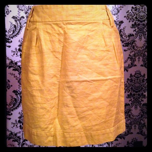 Yellow linen skirt Lightly worn good condition. Ask about outfit bundles. *NO TRADES* Prices will only be adjusted if you click MAKE OFFER button. Forever 21 Skirts