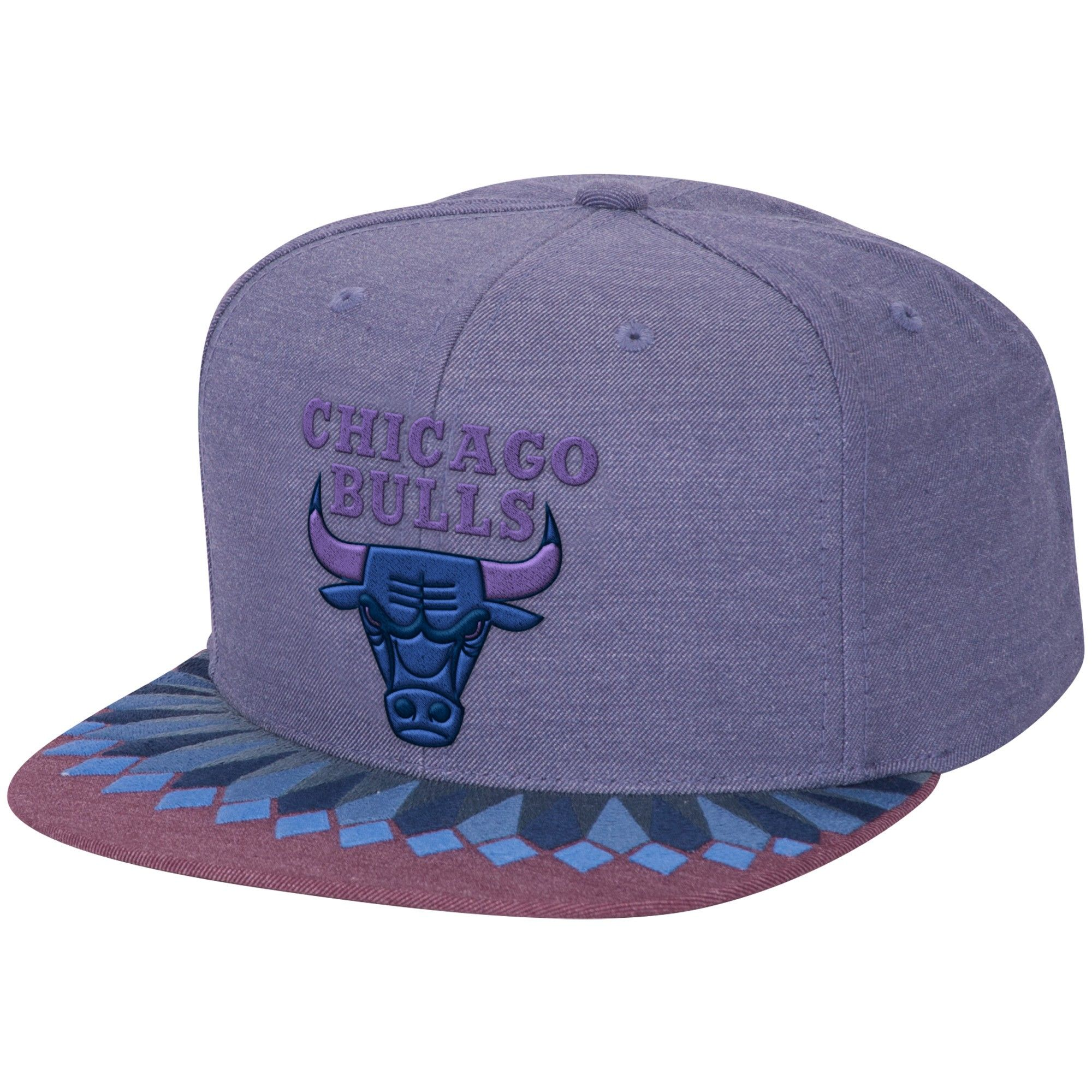 a7a67cfb527 Variant Snapback Chicago Bulls - Shop Mitchell   Ness NBA Strapbacks and  Headwear