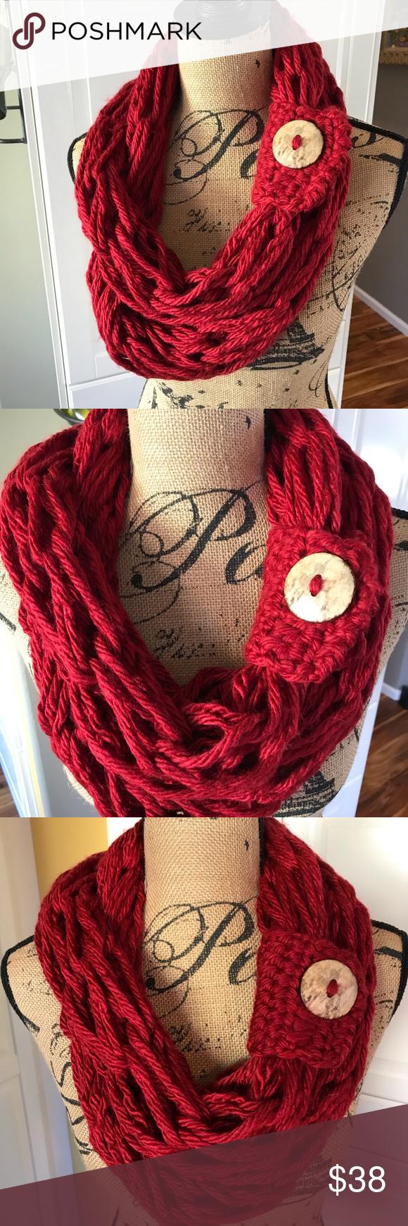 Photo of Langer roter, sperriger, sperriger Schal mit Kokosnussknopf MUNANDME Roter, langer, gestrickter Schal …
