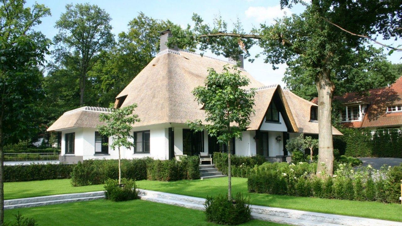 Luxe rietgedekte villa bouwen woningen met rieten kap pinterest luxe bouw en rieten - Zoom ontwerp ...