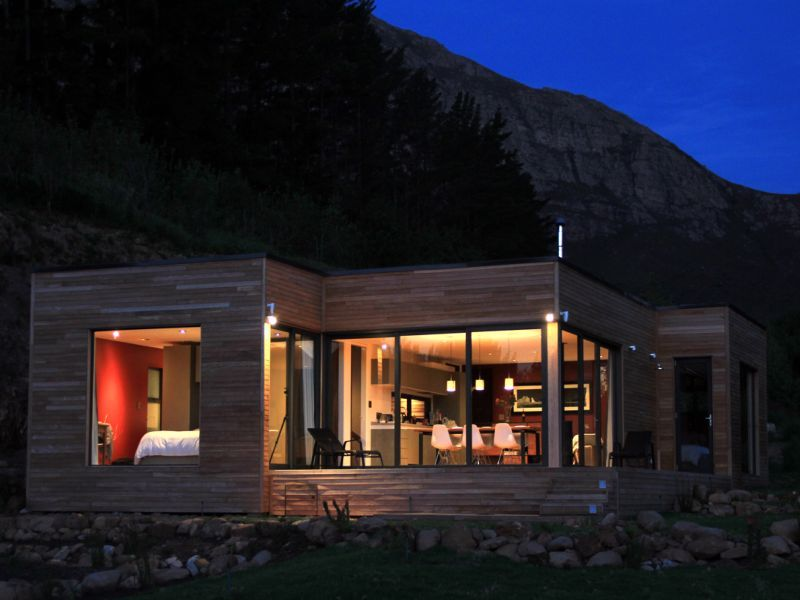 Ecomo Homes: Modular, Compact, Solar Powered Prefabs