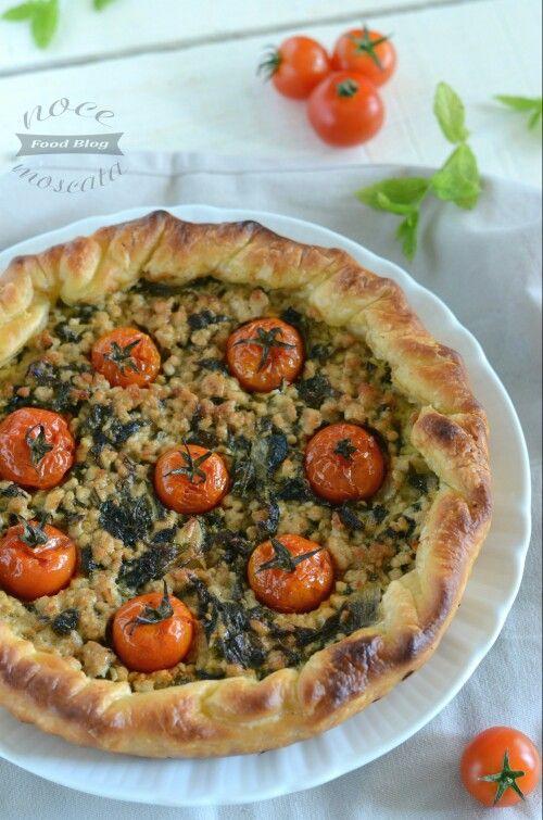 Pasticcio carne spinaci e pomodorini  http://blog.giallozafferano.it/nocemoscata/pasticcio-di-carne-con-spinaci-e-pomodori/