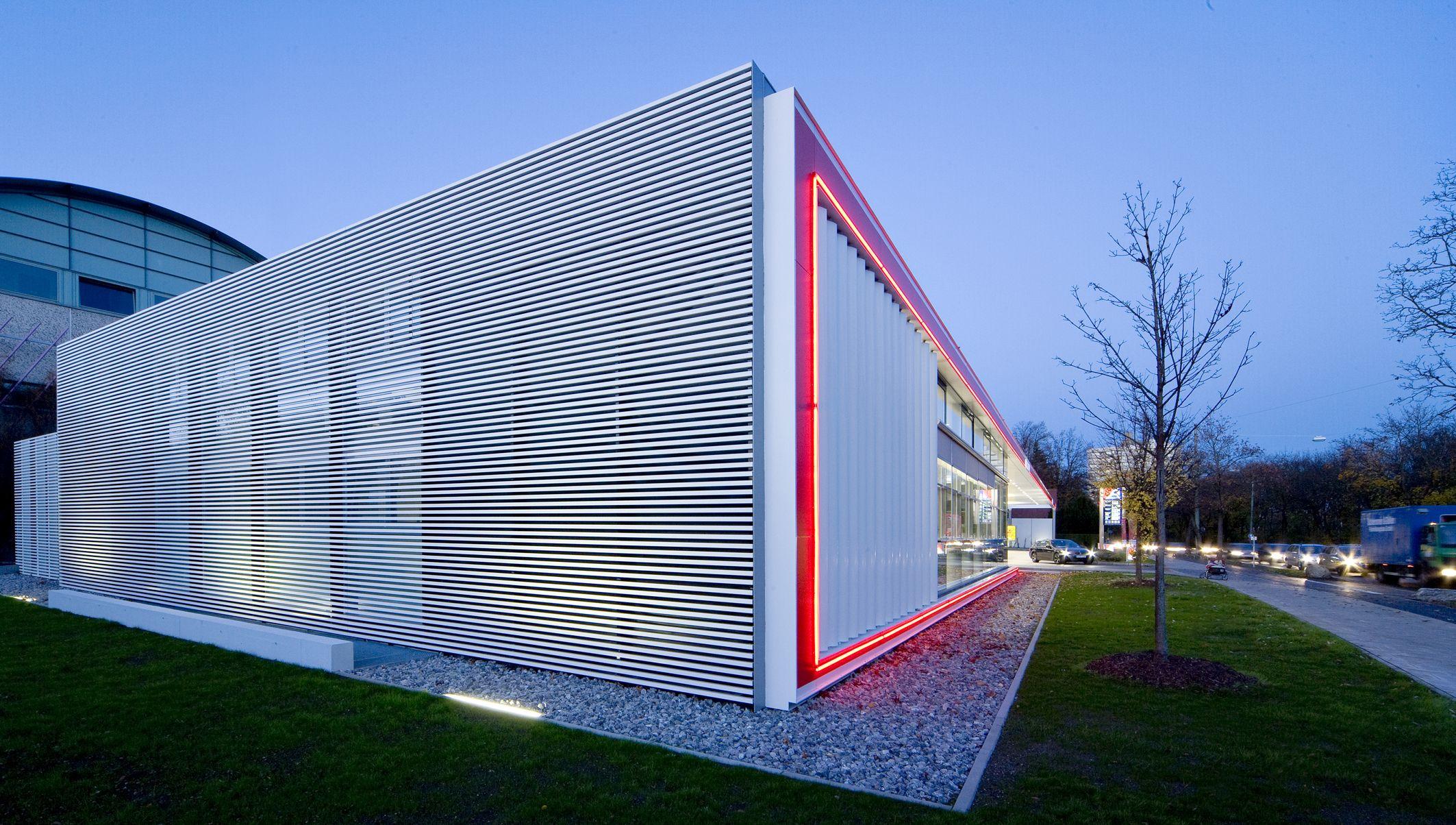 Allguth Tankstelle Chiemgau Strasse Munchen Tankstelle Architekt