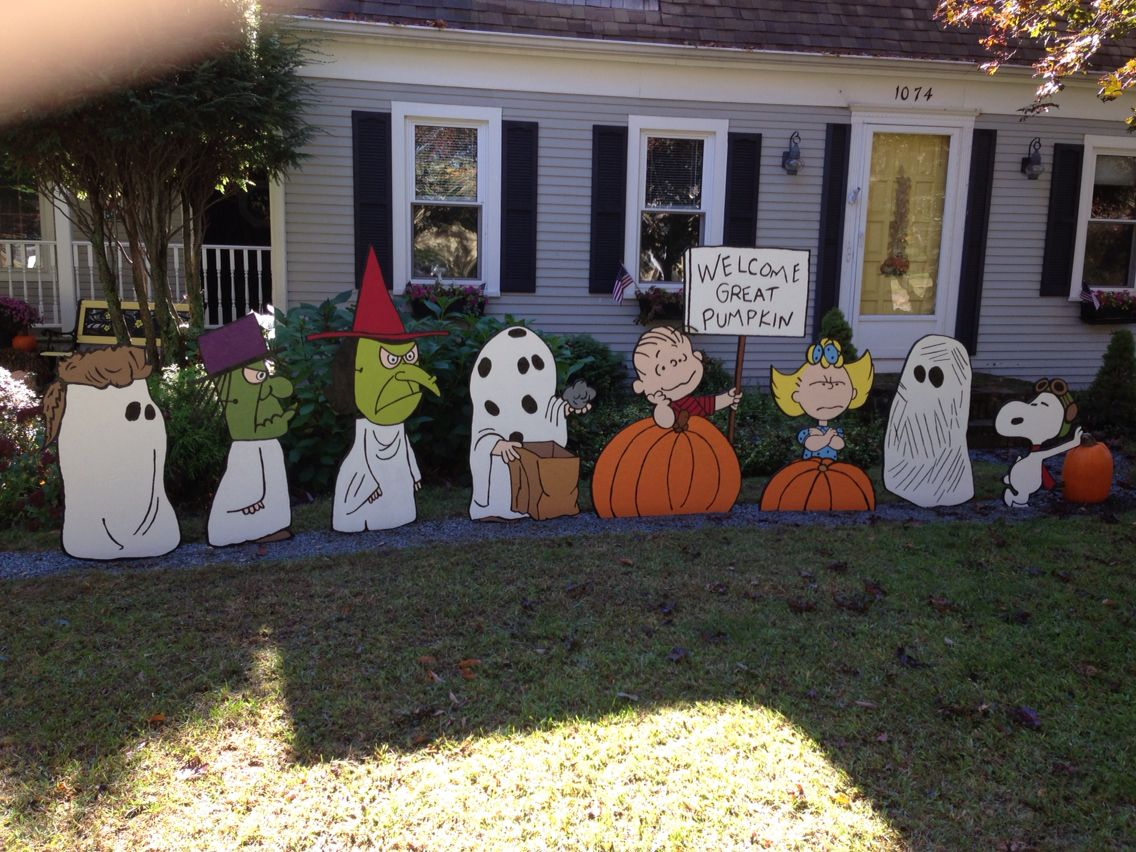 its the great pumpkin yard art - Victorian Halloween Decorations