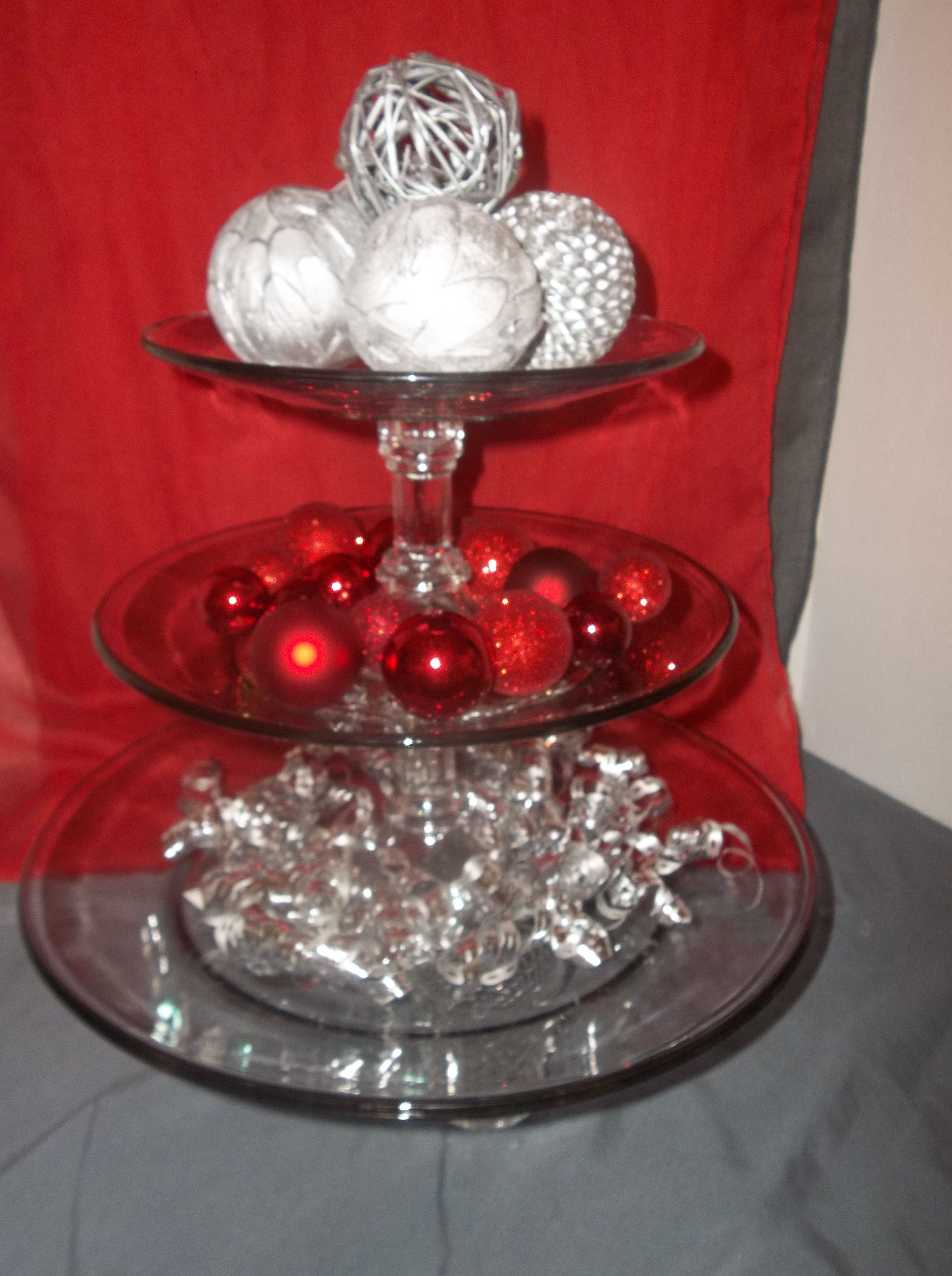 Glass three-tier cupcake stand for Valentine wedding.