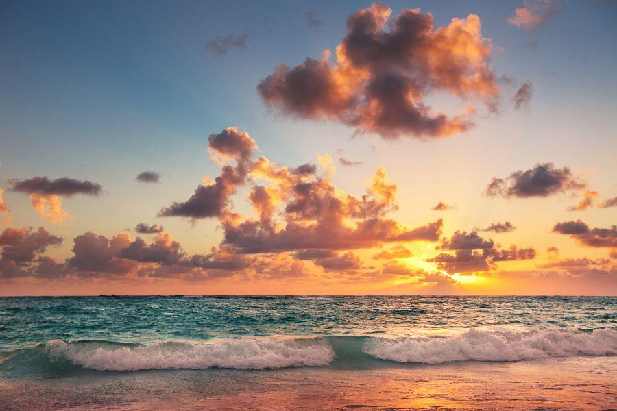 Sunrise on the beach of Caribbean sea by Valentin Valkov - Photo 116876777 / 500px