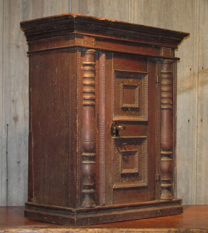 Small 18th century pine cupboard with paint-decorated door, original lock  and key, - Small 18th Century Pine Cupboard With Paint-decorated Door, Original