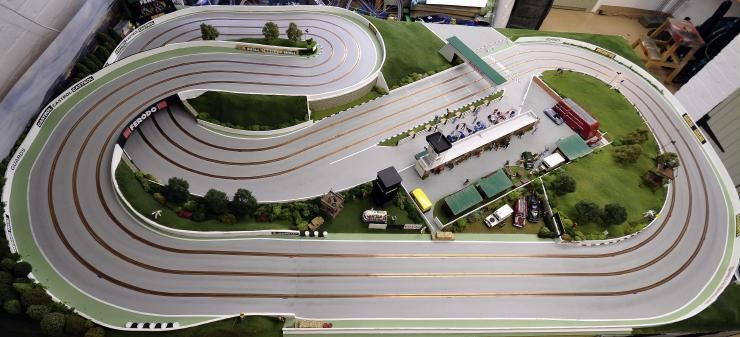 Page 8 of 11 - New Track - posted in Tracks & Scenery: Thanks Kev & Bart.Heres another view of the pits.  Villoresi and Moss have just pulled in for refreshments...
