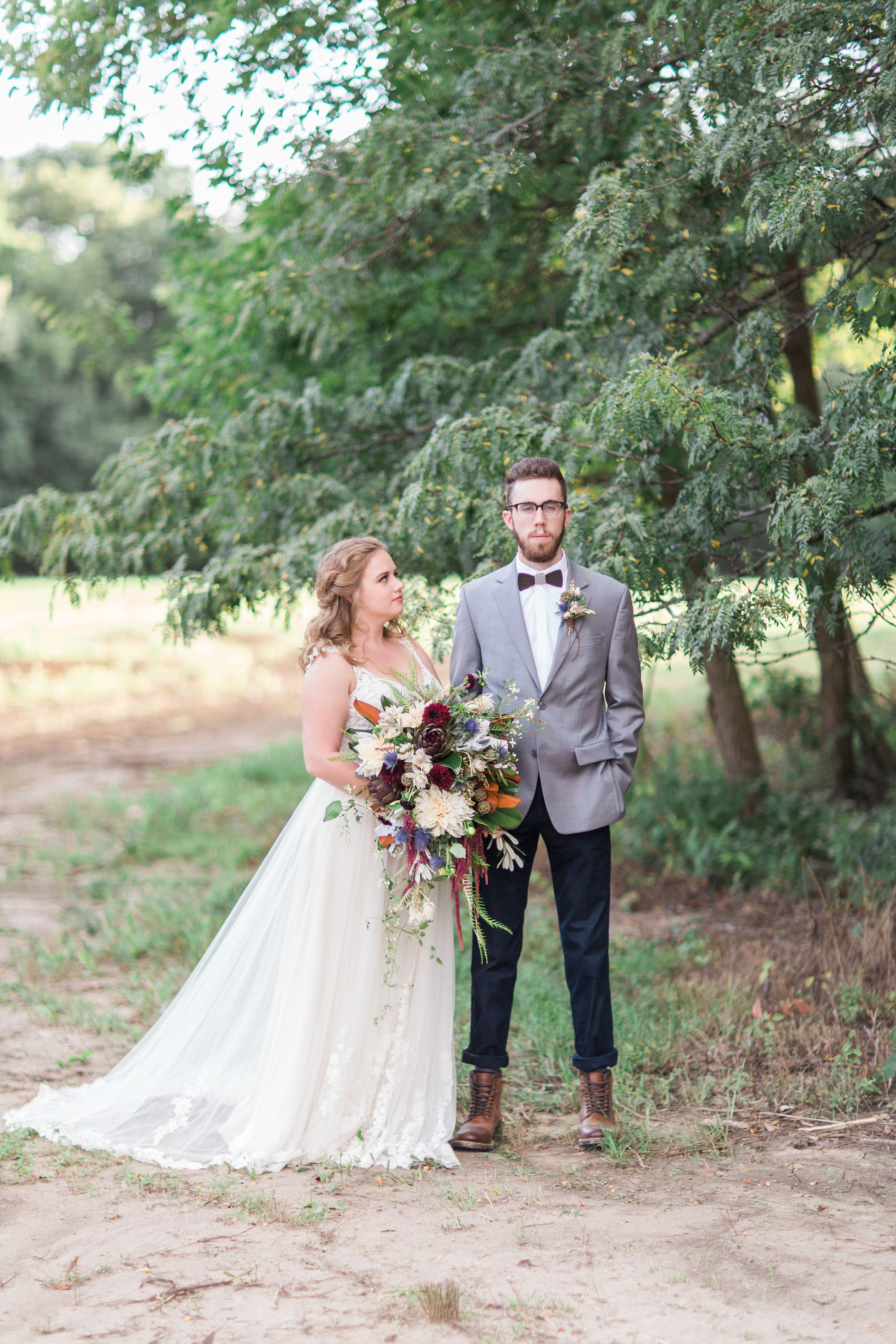 Iowa Venue Adel Rustic Wedding Sweetheart Table Chandelier Boho Reception Country Lane Lodge Mostly Becky Weddings For More: Okoboji Iowa Wedding Venues At Reisefeber.org