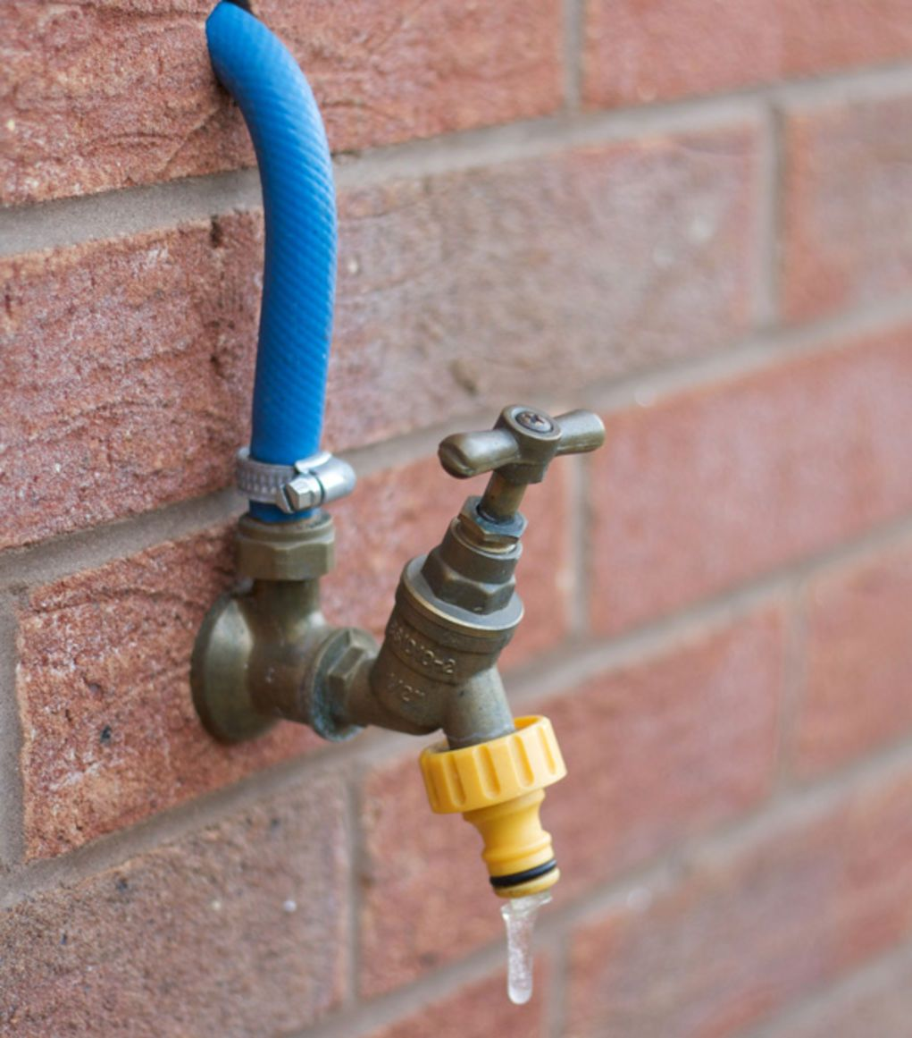 Unfrozen Water: Frost-Free Faucets   The #1 Resource for Horse Farms, Stables and Riding Instructors   Stable Management