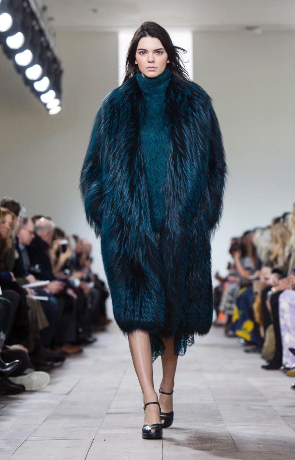 No one blinked at the marc jacobs fashion show when a model wore a - From Marc Jacobs To Vera Wang There Is Clearly No Fashion Designer That Doesn