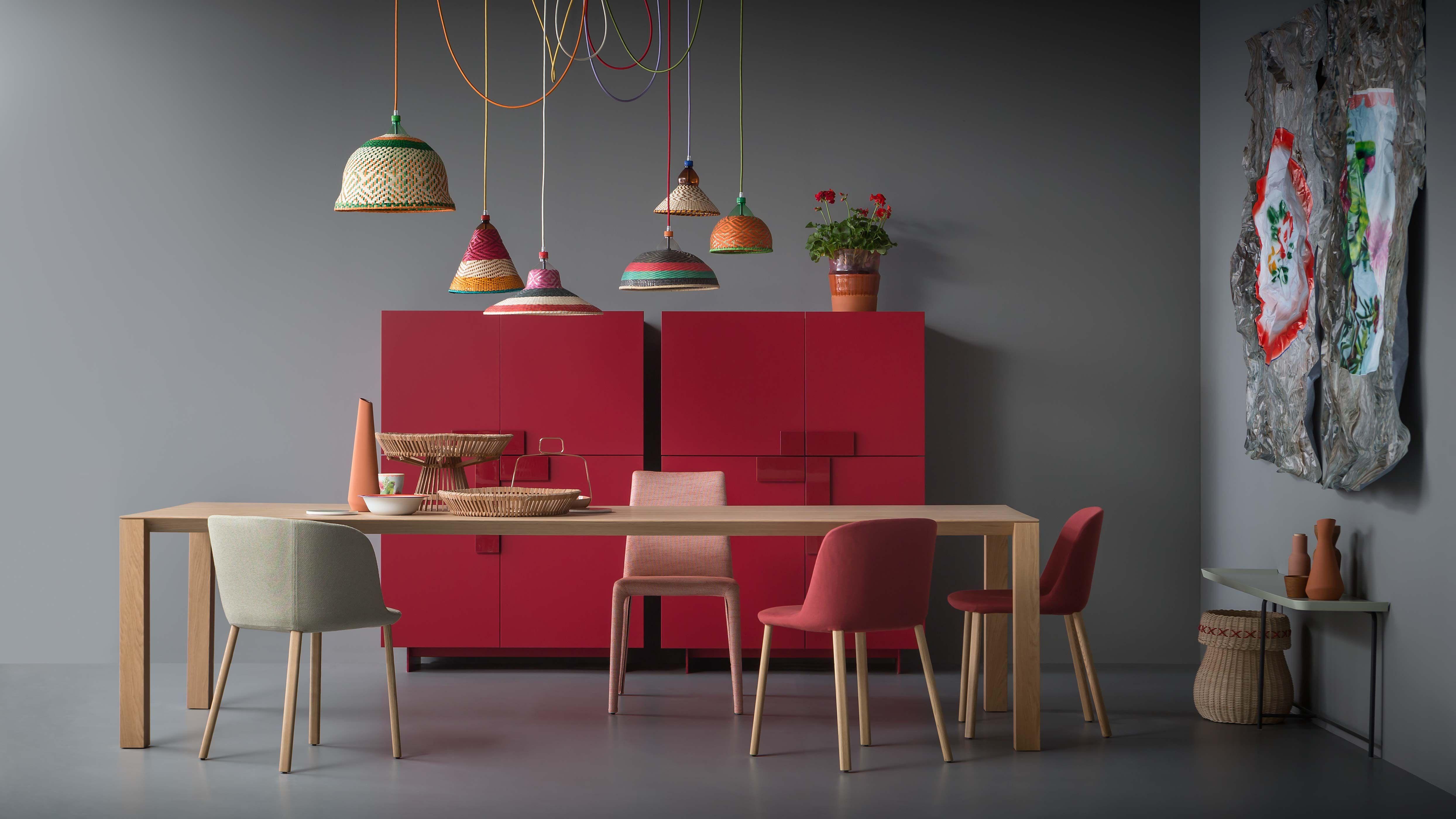 Fattorini Sedie ~ Woody tavolo rovere naturale; esse sedie e poltroncina in tessuto