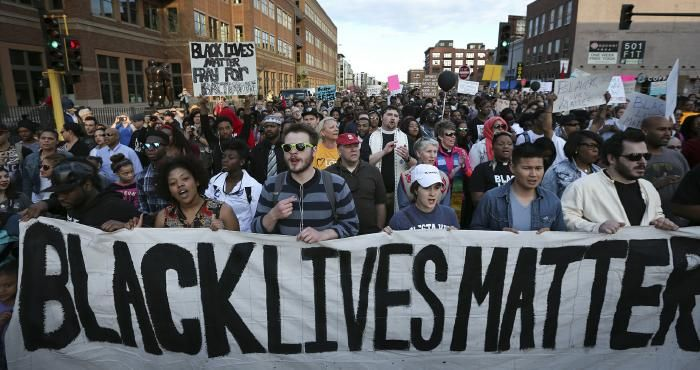 False Black Lives Matter Protesters Chant For Dead Cops Now In Baton Rouge Black Lives Matter Movement Black Lives Black Lives Matter