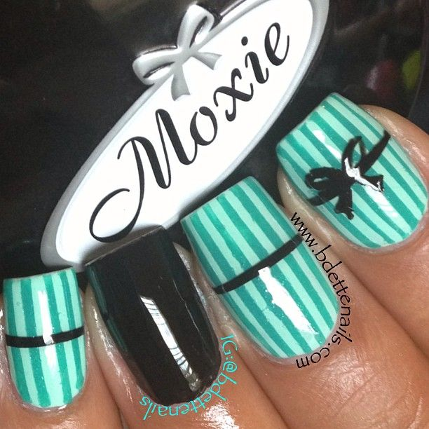 bdettenails gets inspired by her tampon box. (inspiration is everywhere!) #bow #stripes #mint #black #nails