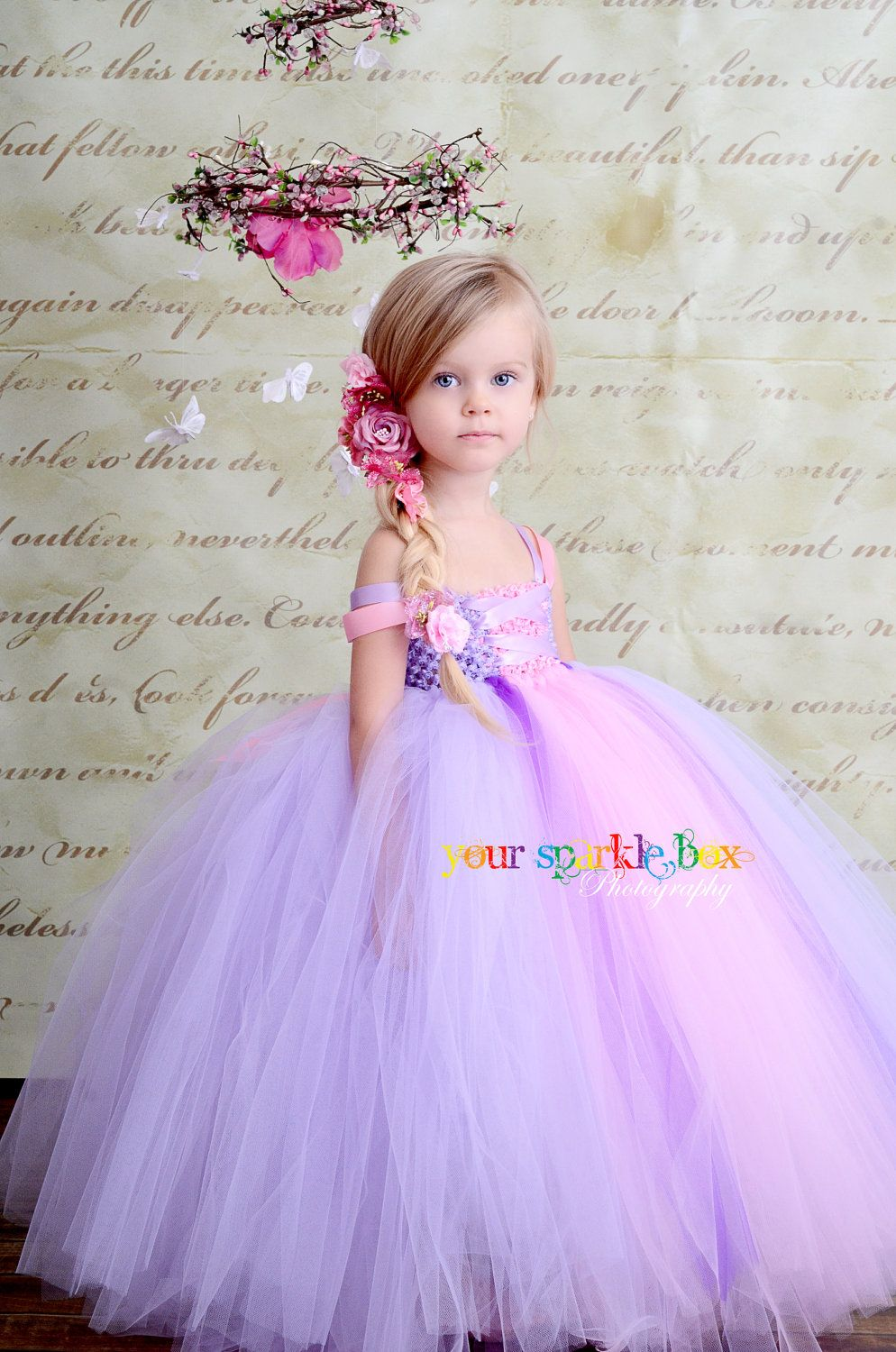 Rapunzel inspired tutu dress. This cant be too difficult to recreate ...