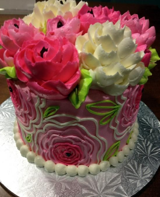 happy birthday flowers and cake best 25 buttercream birthday cake ideas on 4716