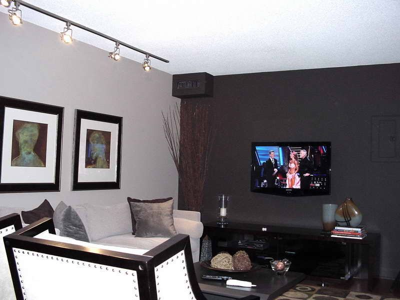 Best Black And White Accent Wall Color For Living Room Home 640 x 480
