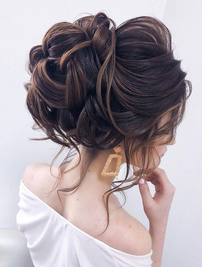 44 Messy Updo Hairstyles The Most Romantic Updo To Get An Elegant Look Medium Length Hair Styles Messy Hairstyles Hair Styles