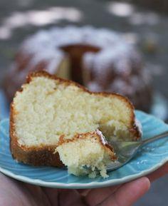 How To Make Classic Sour Cream Pound Cake Recipe Cakes