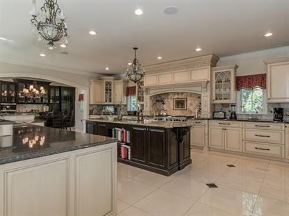 8 Addalia Ln Edison, NJ | Kitchen, Home decor, House
