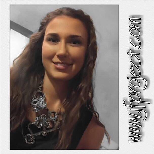 17/09/2017 #backstage #GiardiniPalazzoGonzaga #VoltaMantovana #JF #beautiful #Martina #model #SognoDiUnaNotte #sfilata #necklace #zip #zipper #swarovski #crystals #JFproject #accessories #jewellery #handmade #contemporaryjewelry #madeinitaly #moda #woman #fashion #design #italy #details #GRAZIE !!! #JessicaGrespi #FrancescaGrespi