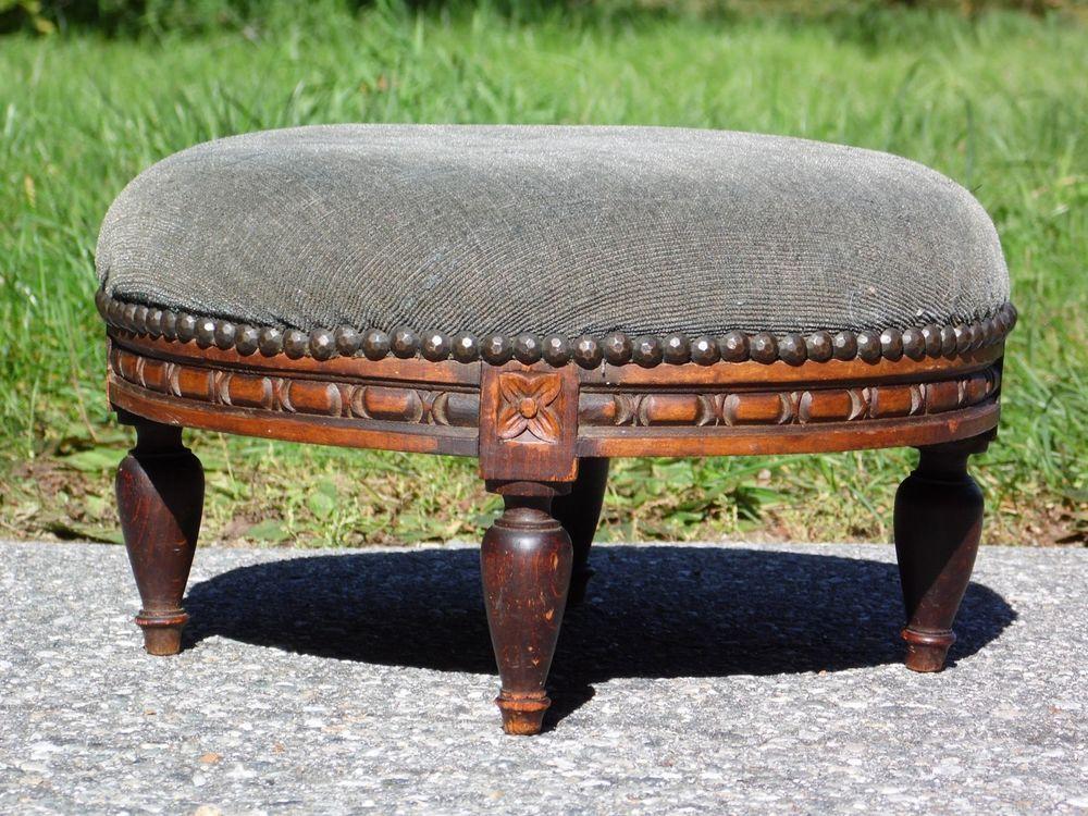 Vintage White Wooden Round Bench. Vintage White Wooden Bench