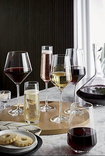 Tour Red Wine Glass + Reviews | Crate and Barrel