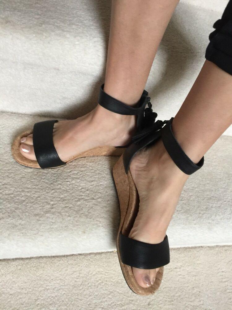 0fe76d36d44 NWOB UGG Zoe Tassel Open Toe Wedge Sandal Sz 8.5 Black 1019973 ...