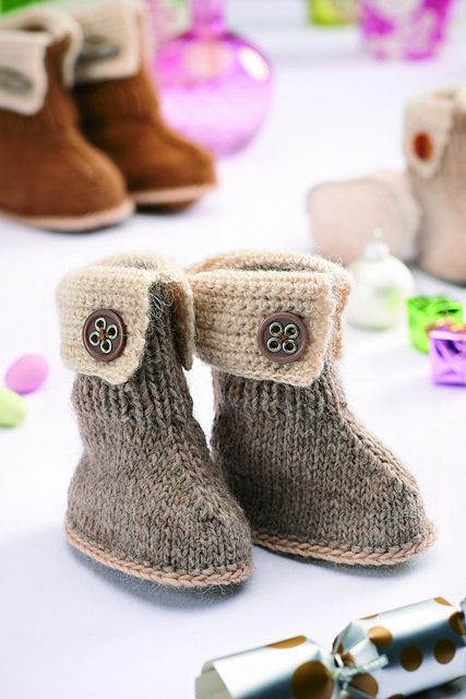 3275 Knitted Hug Boot Slippers King Cole Double Knitting Pattern