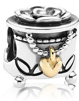 Pandora. Me want!