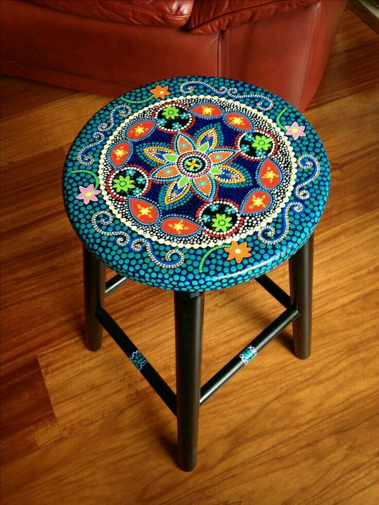 Bemalte Stühle decoupagefurniture dotting bemalte möbel abstrakte