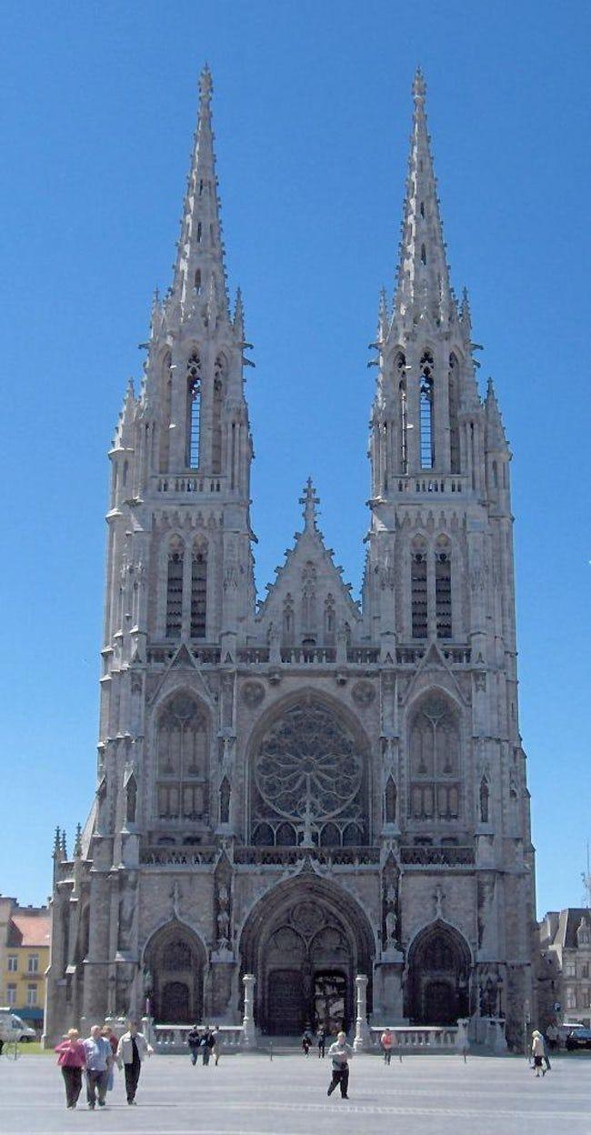 Sint-Petrus-en-Pauluskerk is listed (or ranked) 15 on the ...