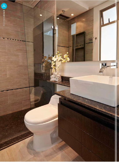 Los pisos y sanitarios corona le dan a este ba o un for Pisos interiores modernos