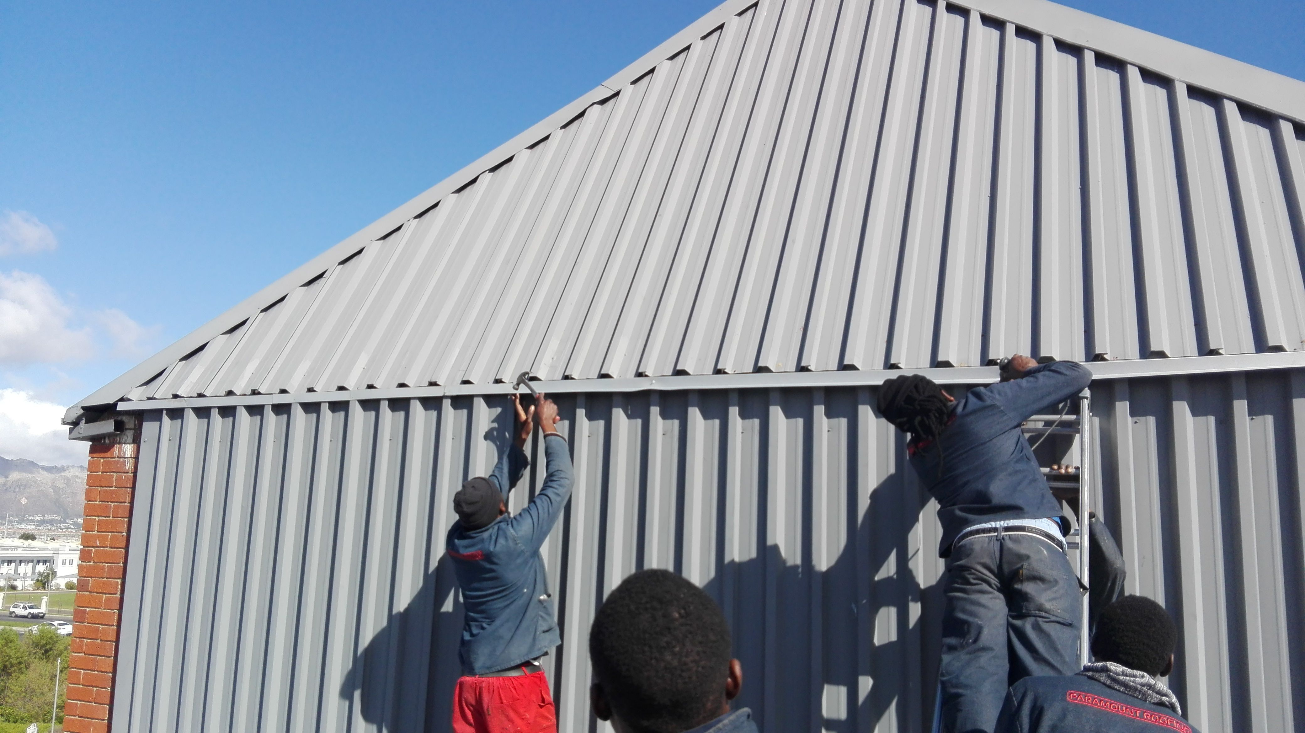 Paramount Roofing Specialises In Residential And Factory Roofs Roofing Cladding Roof
