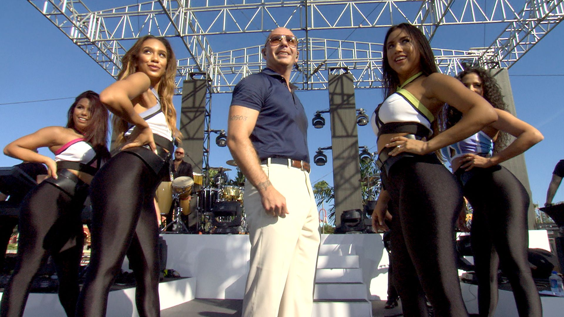 Pitbull party! Superstar rocks Universal Orlando for TODAY concert series