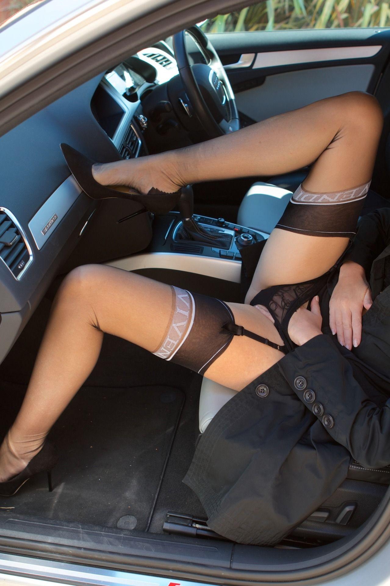 Gorgeous Legs In Nylon Delight Nylons En Heels Kyra