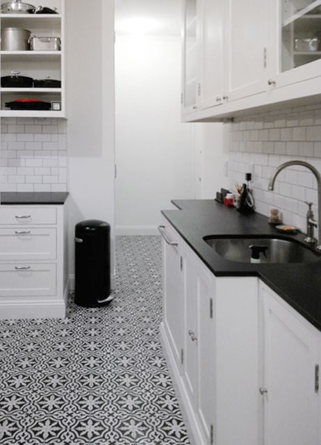 Kitchen floor with cement tile by MOSAIC HOUSE. Rosa pattern in ...