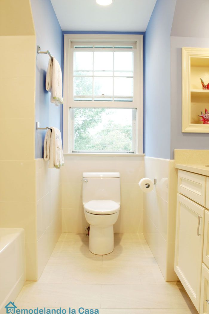 Remodelando la Casa: Small Bathrooms Tour and Good Opportunities