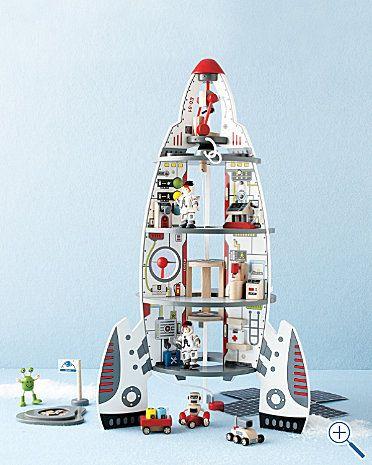 Spaceship dollhouse--how cute is this?!?