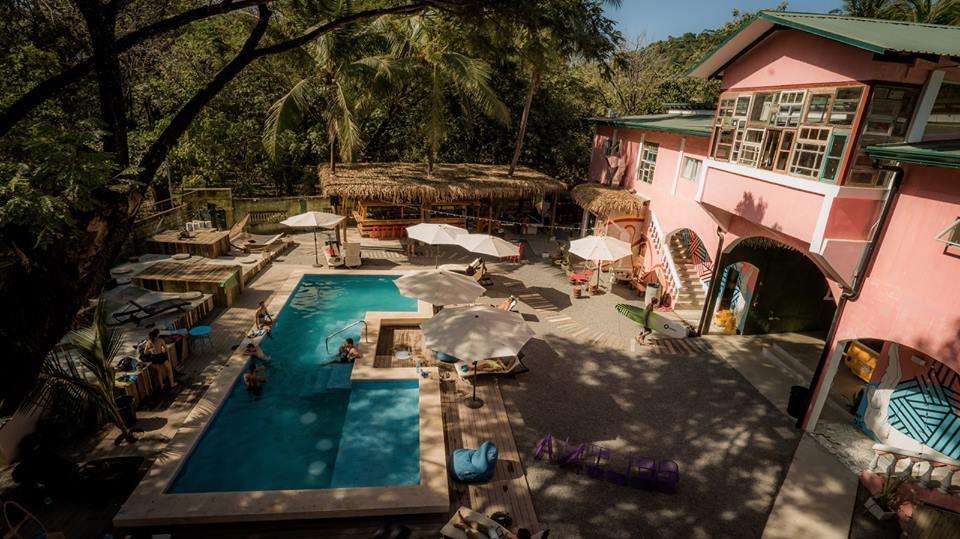 Construcci n de piscina en costa rica en las costa de for Construccion de piscinas en costa rica
