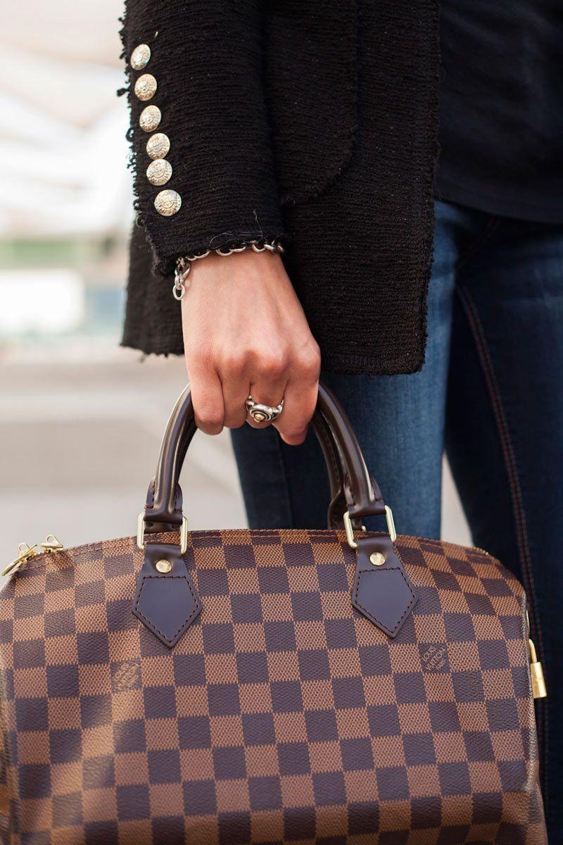 31581e22d Todas las imágenes de street style en Mercedes Benz Fashion Week Madrid: bolso  Louis Vuitton