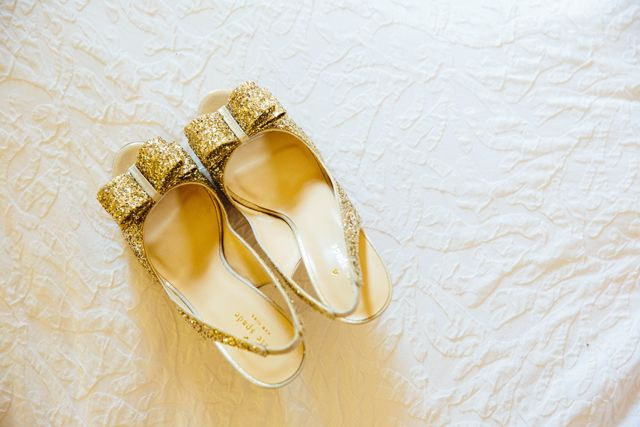Golden glitter shoes for the bride! | Dani Leigh Photography