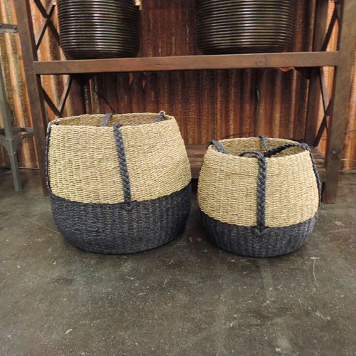 panier boule en jute bicolore naturel et bleu chehoma decoclico bord de mer pinterest. Black Bedroom Furniture Sets. Home Design Ideas