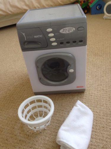 Casdon Play Washing Machine https://t.co/3vklvh0cN3 https://t.co/cfR5QT6FKM