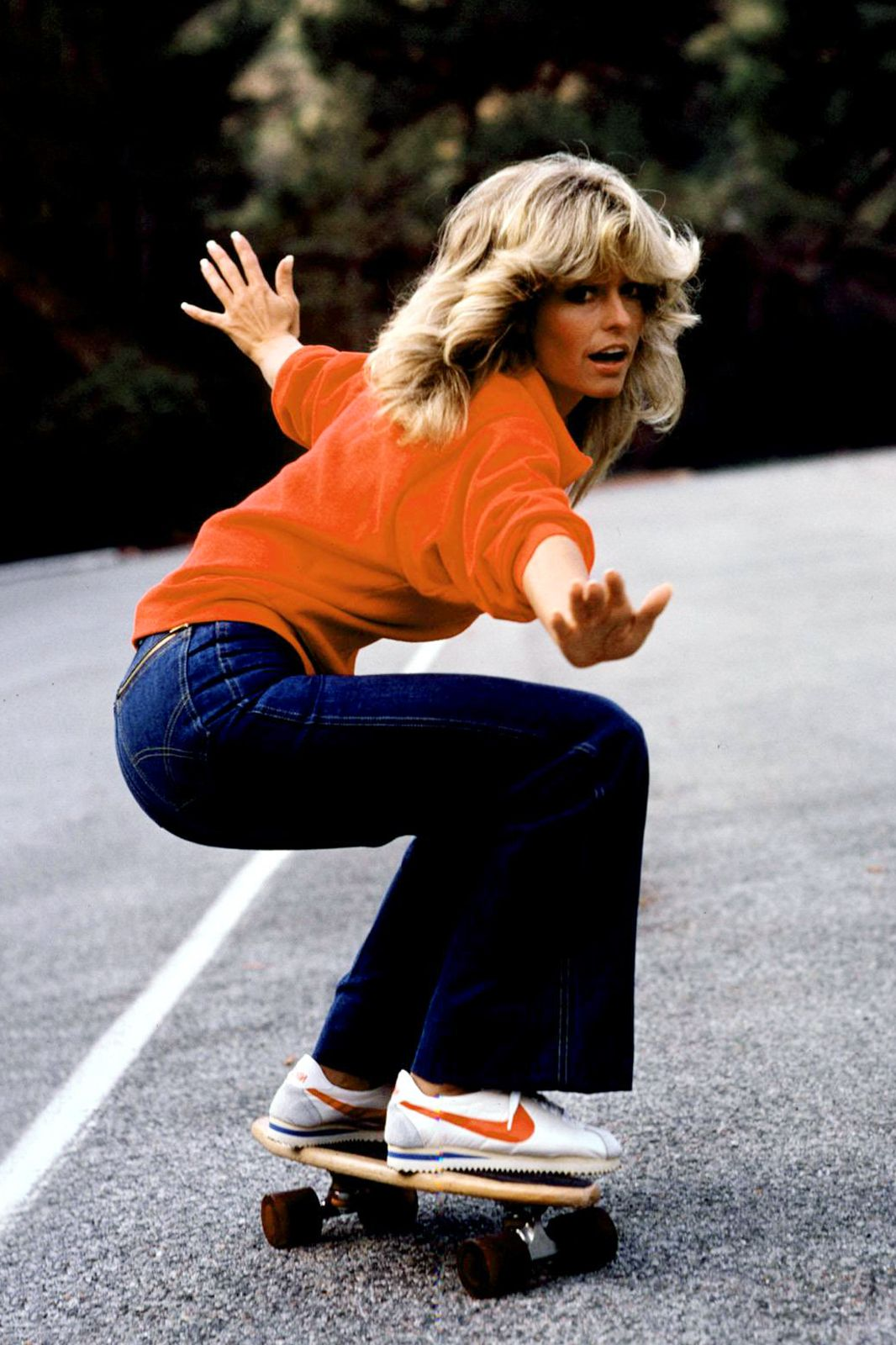 These Celebs Wear Jeans Like Nobody S Business 70s Fashion 70s Inspired Fashion Retro Fashion