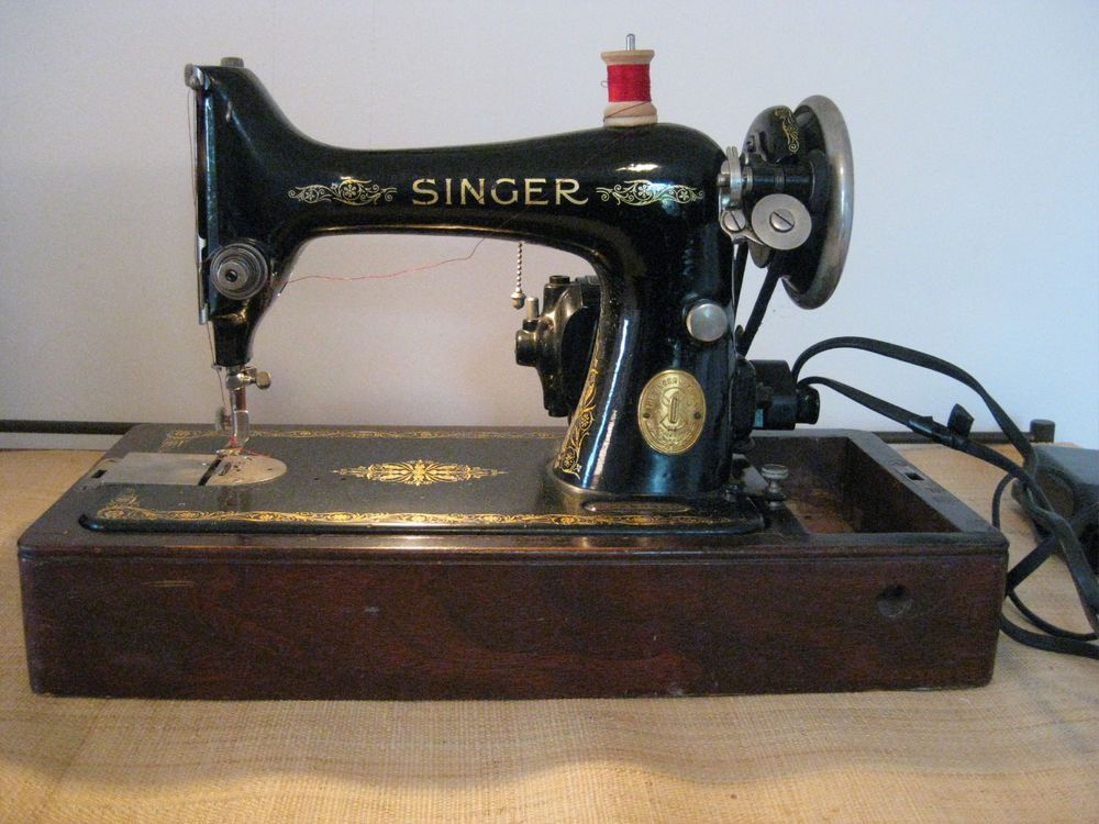 Antique 40 Singer Portable Electric Sewing Machine WOriginal Case Gorgeous Original Sewing Machine