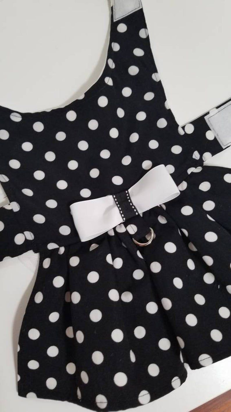 Dog Dress Harness B W Polka Dot Pet Clothes Small Dog Etsy In 2020 Dog Fancy Dress Dog Dresses Dog Harness Dress