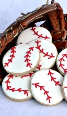 Baseball Cookies How-To ~ fun for any sports themed party